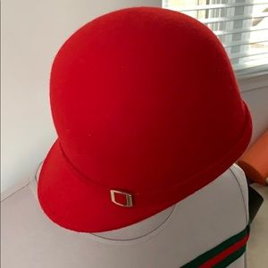 Like new Zara felt hat rider